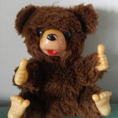 Jucarie plus Monchhichi Russ Berrie Bippi 1977 mascota urs / ursulet maro, 13cm - Jucarii plus