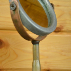 Oglinda cosmetica veche realizata manual, pentru barbierit, anii '50