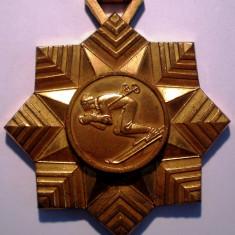 5.051 MEDALIE ROMANIA SPORT CAMPIONATUL SCHI ALPIN 1972 71mm - Medalii Romania