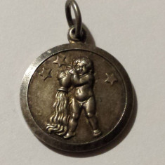 Medalion argint zodie Varsator Vechi executat manual Splendid Vintage - Pandantiv argint