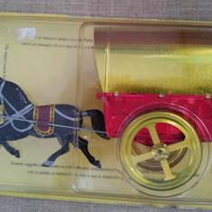 Jucarie veche tabla cal calut cu caruta / trasura, in cutia originala sigilata - Jucarie de colectie