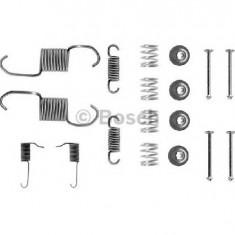 Set accesorii, sabot de frana MITSUBISHI PAJERO SHOGUN I autoturism de teren deschis L04 G PRODUCATOR BOSCH 1 987 475 144 - Saboti frana auto