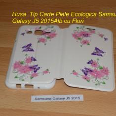Husa Tip Carte Piele Ecologica Samsung Galaxy J5 2015 Alb cu Flori - Husa Telefon Samsung, Cu clapeta