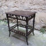 Masuta antica lemn masiv sculptata
