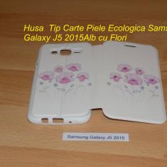 Husa Tip Carte Piele Ecologica Samsung Galaxy J5 2015Alb cu Flori - Husa Telefon Samsung, Cu clapeta