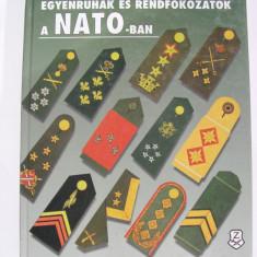 Uniforme si grade militare in NATO (peste 1500 uniforme si grade militare)