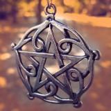 Pandantiv celtic pentagrama din Brisingamen - Pandantiv fashion