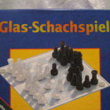 SAH - SET TABLA SAH  SI PIESE SAH DIN STICLA GERMANIA