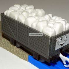 TOMY - Thomas and Friends - TrackMaster - Vagon gri incarcat cu sare - Trenulet Tomy, Plastic, Unisex