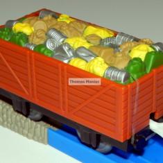 TOMY - Thomas and Friends - TrackMaster - Vagon maro incarcat cu gunoi - Trenulet Tomy, Vagoane