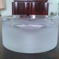 Scrumiera din cristal masiv