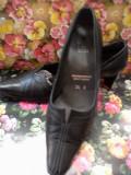 Pantofi piele negri mas. 36, Negru, Cu toc