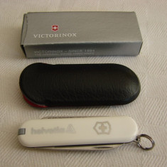 Briceag elvetian Victorinox prevazut cu pila, penseta si scobitoare