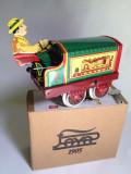 Miniatura din tabla cu cheita - Tractor