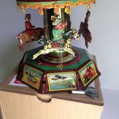 Miniatura din tabla cu cheita - Carusel