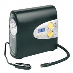 Compresor auto Carpoint 12V 7bar/100psi afisaj digital cu lanterna si cablu de 3.5m