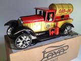 Miniatura din tabla cu cheita - Camion benzina