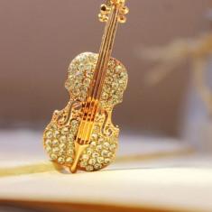Brosa Vioara placat cu Aur si pietre Rhinestone - Brosa placate cu aur