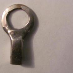 GE - Cheie fier pentru ceas cu pendul pendula (1)