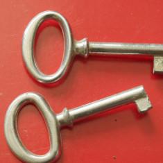 Lot 2 bucati - Cheie pentru mobila !!! - Metal/Fonta