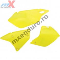 MXE Laterale spate galbene, Suzuki DRZ 400E Cod Produs: UF3979102AU - Carene moto