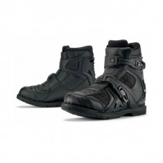 MXE Ghete moto Icon Field Armor 2, negru Cod Produs: 34030563PE