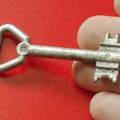 Cheie pentru usa model deosebit !!! - Metal/Fonta