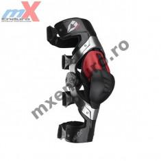 MXE Orteza genunchi Evs Axis carbon culoare negru/rosu Cod Produs: 212045-3041 - Protectii moto
