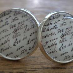 Cercei surub/fluture/cheita baza argintie cabochon scriere de mana (caligrafie)