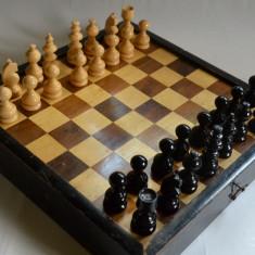 Joc vechi de sah, table si moara din lemn - anii '50 Germania REZERVAT - Table sah