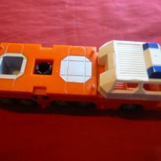 Autotractor miniatura Matchbox Mattel, plastic, cu 10 roti, L= 16.5 cm - Masinuta