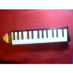 Instrument Muzical Hohner Melodica Piano 27 Germania ,L= 39 cm