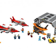 Lego - City Airport - Parada De Aviatie Pe Aeroport
