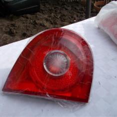 Stop stanga pe Haion Volkswagen Golf 5 cod original 1K6945093E