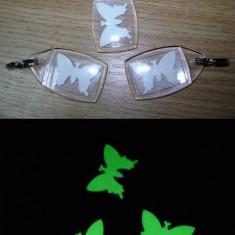 Breloc fosforescent fluture - Breloc Barbati