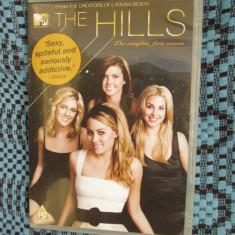 THE HILLS (SERIAL DRAGOSTE / MODA - sezonul 1) - 2 DVD-uri ORIGINALE - CA NOI!, Engleza