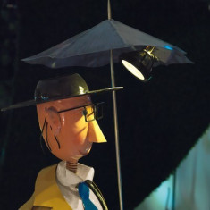 Figurina solara LED Gentleman cu umbrela Handmade