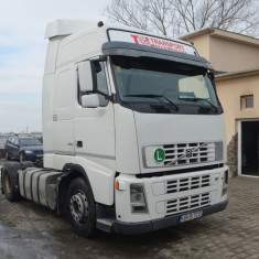 VOLVO FH12 2004 - Camion