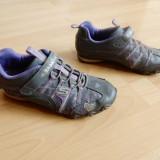 Adidasi Skechers piele; marime 35 (22 cm talpic interior); stare excelenta