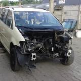 Dezmembrez volkswagen touran - Dezmembrari Volkswagen