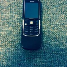 Nokia 8600 luna folosit stare buna,original 100%neumblat in el!!  PRET:400lei