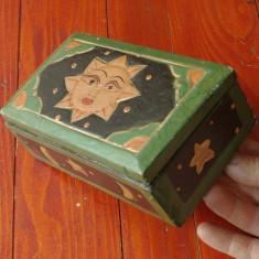 Cutie / caseta din lemn model deosebit - soare / realizata manual !!!