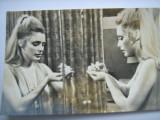 Film/Cinema - Carte postala actori Sharon Tate in filmul Valea Papuslor, Alta editura