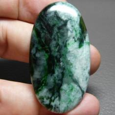jad natural - SUPERB - caboson 54.9 ct. alb-verde pentru pandativ
