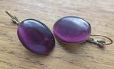 Cercei tip arc, baza de bronz cu cabochon ochi de pisica violet