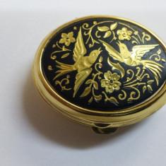 Delicata si Finuta Cutie bijuterii poleita cu aur negru de Toledo Impecabila