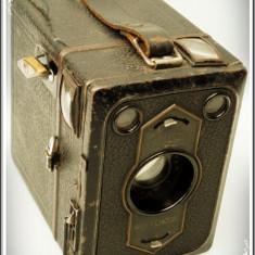 CUTIE FOTOGRAFICĂ, APARAT VECHI DE FOTOGRAFIAT GERMAN, ZEISS IKON BOX TENGOR B2! - Aparat de Colectie