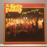 THE KELLY FAMILY - KEEP ON SINGING (1989/ KEL-LIFE /RFG)- Vinil/Vinyl/IMPECABIL