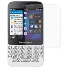 Folie protectie Blackberry Q5 transparenta - Folie de protectie