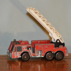 Macheta masinuta metal masina de pompieri/ firenegine, 1982 Matchbox, Macau - Vehicul